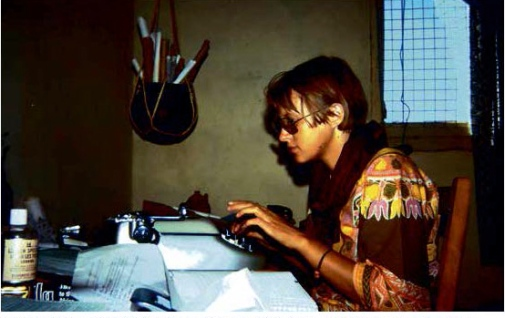 PhD candidate Gudrun Dahl writes field notes in Kenya in 1974. (Photo: Anders Hjort af Ornäs)